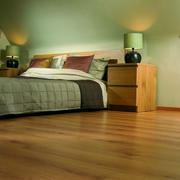 斜顶阁楼木地板装修