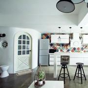 浅色调开放式厨房