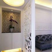 白色调玄关装修设计