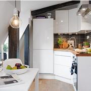 斜顶阁楼厨房设计