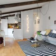 斜顶阁楼沙发设计