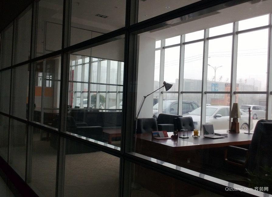 都市时尚的办公室隔间装修效果图大全