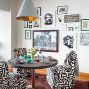 斜顶阁楼餐桌设计