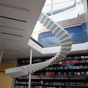 暖色调楼梯设计图片
