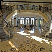 有艺术感别墅楼梯装修