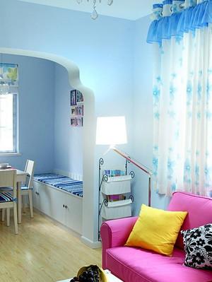 蓝色调飘窗窗帘设计