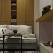 淡色调两室一厅装修