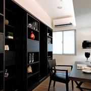 深色调两室一厅装修