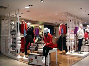 2015造价实惠的都市服装店装修设计效果图鉴赏