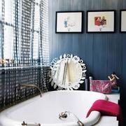 冷色调卫生间墙面设计