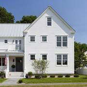 白色调小复式楼装修
