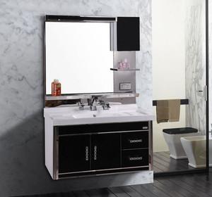 精致协调的欧式整体浴室柜装修效果图