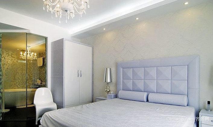专为格子控打造的卧室软包背景墙装修效果图