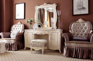 沉稳庄重的古典风格卧室梳妆台装修效果图