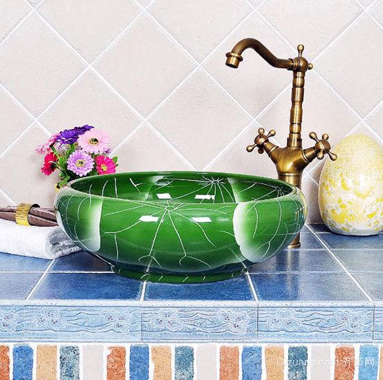 艺术实用装饰品卫生间台盆装修效果图