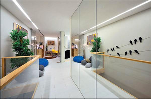 别墅玻璃隔断设计图片