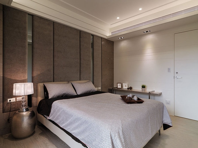 主卧床头柜效果图_卧室床头柜装修效果图卧室设计指南装饰宝典
