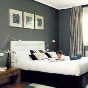 灰色调床头背景墙
