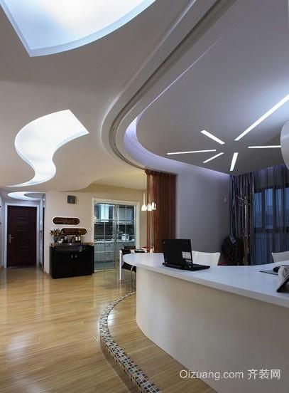 丰富视觉感受的120平米公寓过道吊顶装修效果图