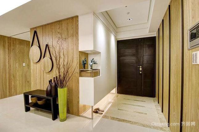原木色温暖舒适两居室客厅玄关装修效果图