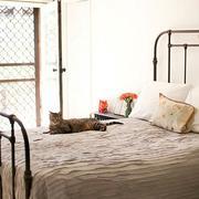 卧室床铺设计图片