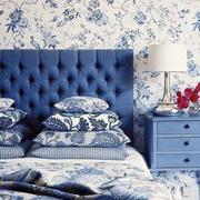 蓝色调卧室壁纸装修
