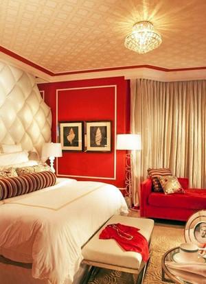 深受土豪喜欢的大气奢华别墅卧室吊顶装修效果图
