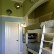 简朴型卧室高低床