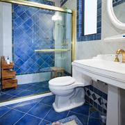 蓝色调卫生间图片