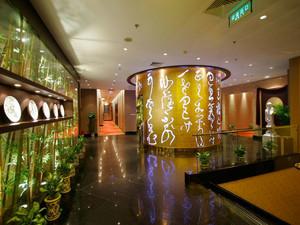暖色调饭店设计图片
