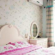 唯美风格卧室壁纸装修