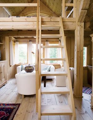 室内木质楼梯装修图片