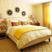 暖色调小卧室设计