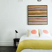 条纹状卧室装饰画