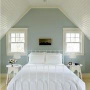 纯白色调阁楼设计图片
