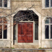 深色调大门装修设计