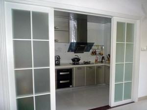 玻璃材料 视野通透厨房推拉门效果图