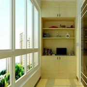 淡黄色调阳台设计图片