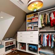 阁楼衣柜设计图片