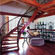 红色调楼梯装修设计