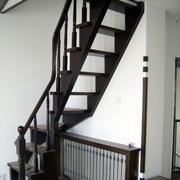 深色调阁楼楼梯装修