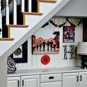 纯白色调阁楼楼梯装修