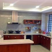 中式开放式厨房装修