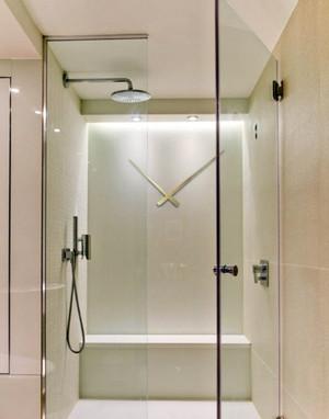 卫生间玻璃隔断装修