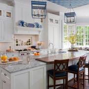 清新型开放式厨房装修