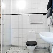 白色调卫生间装修