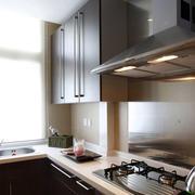 深色调厨房装修图片