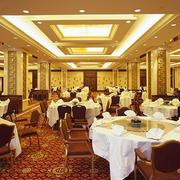 金黄色调饭店