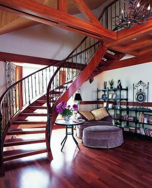 家装中的精品:精致的铁艺旋转楼梯设计效果图鉴赏
