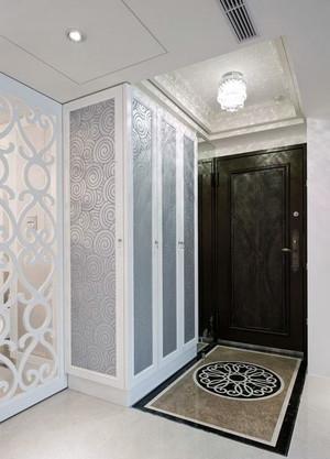 三室两厅两卫进门走廊